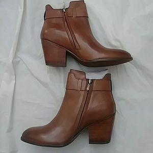 a207b764600d7 Sam Edelman Shoes - Women s Sam Edelman Ankle Boots Size 8.5